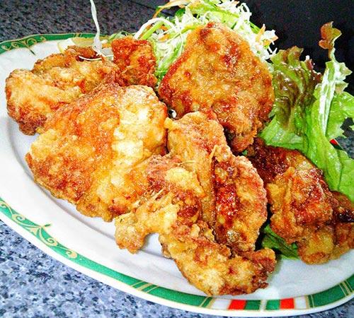 (東村町の福山ラーメン「光福亭」の)光福亭流鶏のから揚げ